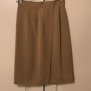 Dana Buchman tan skirt size 2P